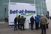 Rienaecker-bet-at-home-SMS-Schalke-0519